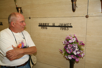 Tony Scodwell visiting Harry James in Las Vegas